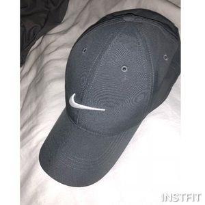 Gray Nike golf hat